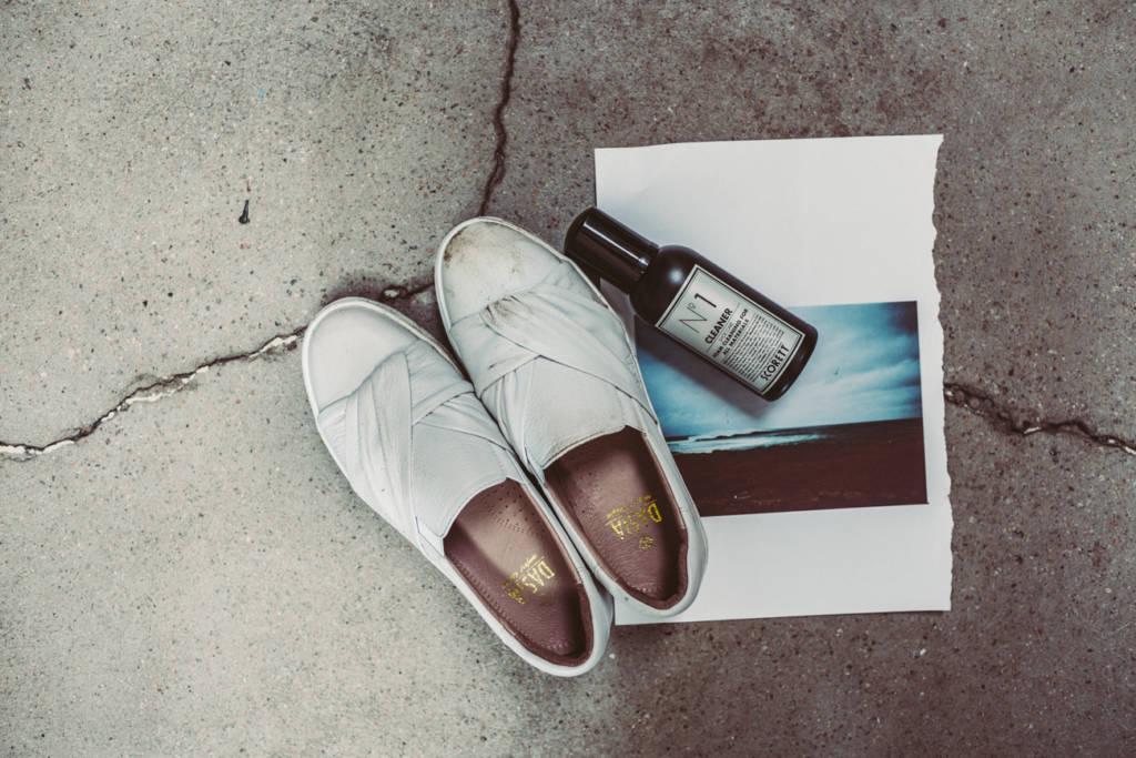 172b6b12a1c Och när vi var ute på vårt fotoäventyr så smutsade vi med vilje ner skorna  ordentligt för att testa produkterna.